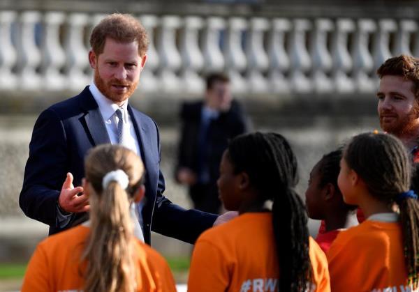 Enrique retoma su actividad pública tras anunciar su retirada de la realeza