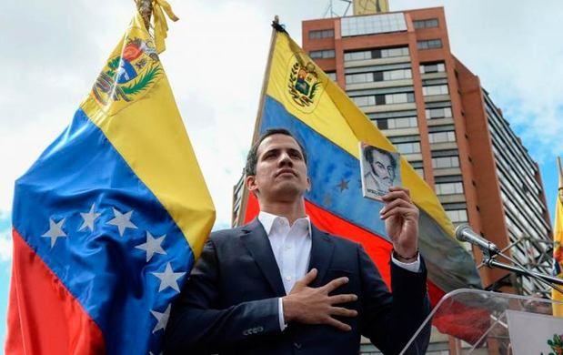 """Guaidó dice """"pronto"""" volverá a Venezuela en medio de """"movilización nacional"""""""
