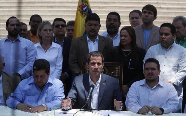 """Guaidó pedirá al Parlamento decretar """"emergencia"""" por el apagón de casi 70 horas"""