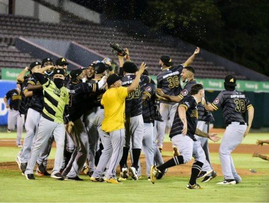 Águilas están a las puertas de récords históricos en Serie del Caribe.