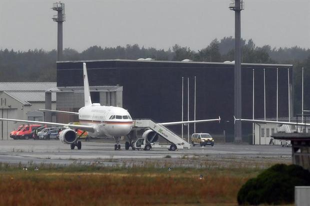 Avión con el opositor Navali sale de Omsk con destino a Berlín