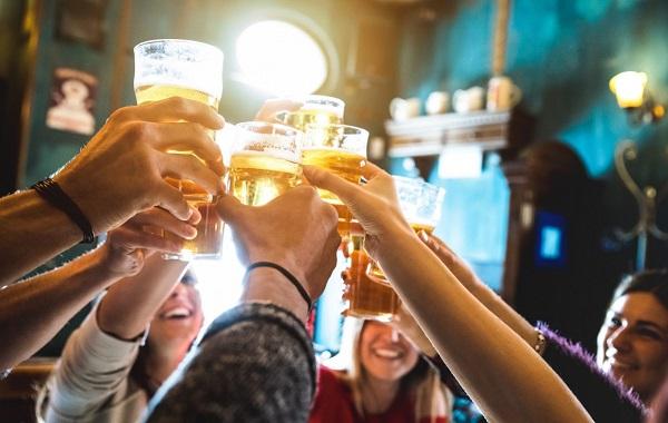Se oponen a suspender levantamiento de restricción de venta de alcohol en Navidad