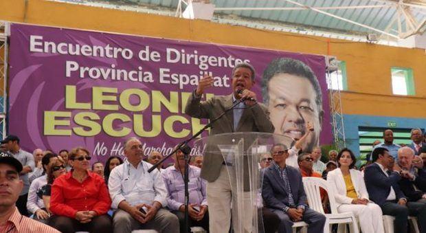 Fernández favorece alianza público-privada para construir vivienda bajo costo