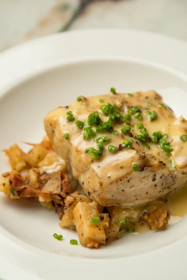Sea Bass con Potato Hash.