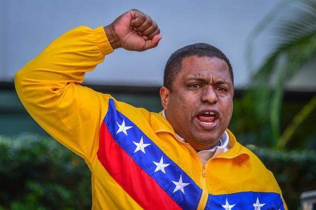 Exiliados en Miami critican a viceministro dominicano que cantó para Maduro