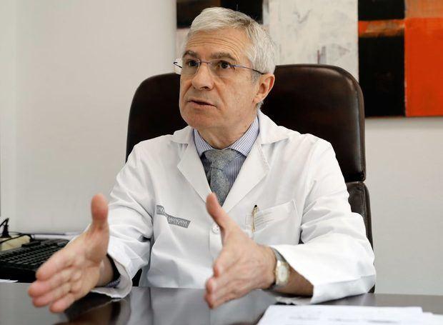 Entrevista con el doctor Antonio Cano, nuevo presidente electo de la Sociedad Europea de Menopausia y Andropausia. Cano, primer español en ocupar este cargo, afirma que la menopausia actual 'no tiene nada ver' con la del siglo XX.