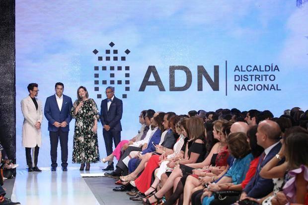 Dominicana Moda cierra XII edición con colección Resort 2018 Silvia Tcherassi