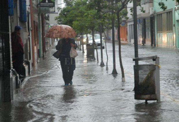 Lluvias producidos por vientos del este.