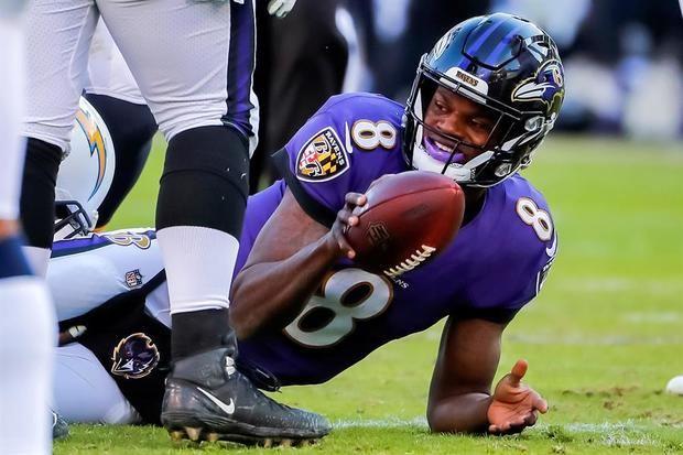 Al menos una docena de los Ravens dieron positivo, incluido el actual Jugador Más Valioso (MVP) de la NFL, Lamar Jackson.