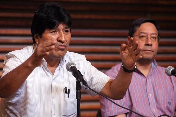En la imagen, el expresidente de Bolivia Evo Morales y el candidato presidencial por el Movimiento al Socialismo (MAS), Luis Arce.