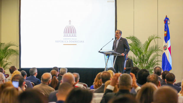 """Presidente Abinader expresa apoyo a ProConsumidor para desaparecer """"Ácido del diablo"""" en el país"""
