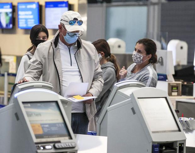 Los turistas de EE.UU. vacunados podrán visitar la UE este verano, según la CE