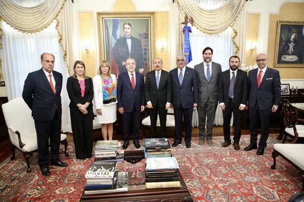 Participación del presidente Danilo Medina durante la visita de cortesía del exgobernante chileno, Eduardo Frei, quien encabeza la misión de observadores electorales de la OEA, para los comicios municipales del próximo domingo.
