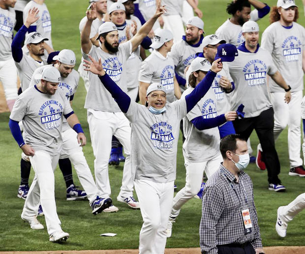 Los Dodgers ganan el título de la Nacional y jugarán la Serie Mundial contra los Rays.