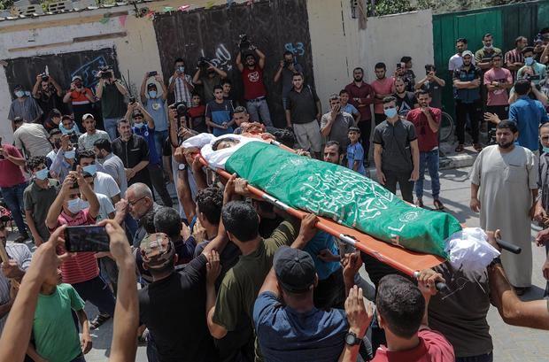 Israel bombardea Gaza tras disturbios en protestas en la valla de separación