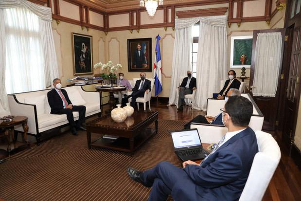 El presidente Danilo Medina encabezó una reunión con varios ministros de su gobierno