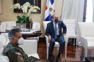 Danilo Medina encabeza reunión de evaluación cumplimiento protocolos en primera fase desescalada