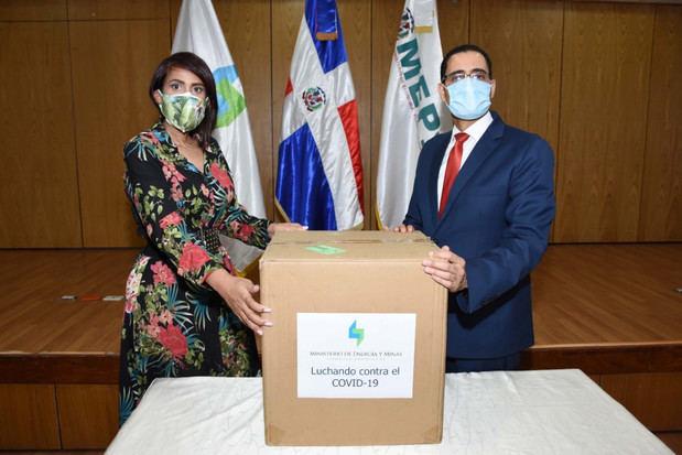 Gobierno dominicano recibe donación de pruebas PCR de la OEIA.