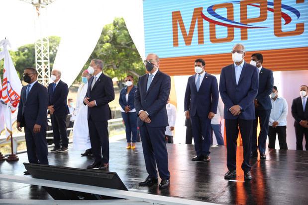Danilo Medina entrega carretera Navarrete - Puerto Plata y otras seis obras viales