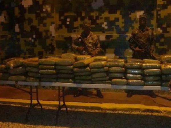 Ejército incauta 103 paquetes de marihuana con un peso de 629 libras