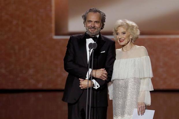 Los actores José Coronado y Marisa Paredes durante la gala de los Premios Goya 2020 que se han celebrado hoy sábado en el Palacio de los Deportes José María Martín Carpena, en Málaga.