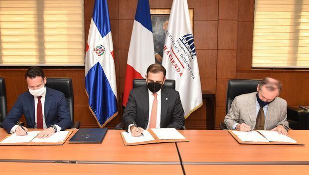 Estado dominicano fortalecerá sistema de salud y protección social con apoyo del BID y la AFD