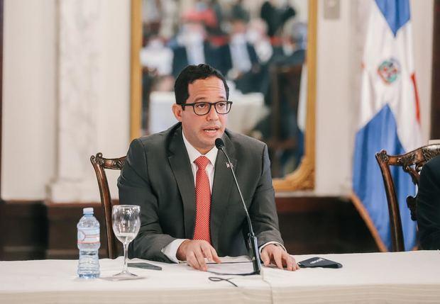 Freund: anteproyecto de ley busca reducir la burocracia y simplificar los trámites