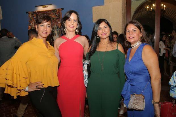 Tuty Zouain, Julissa Veras, Nancy Freites y Maura Díaz.