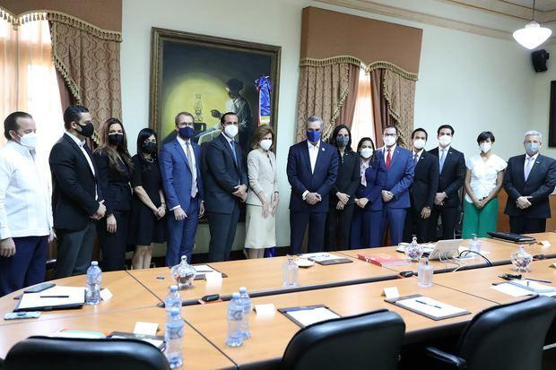 Jóvenes empresarios ponen a disposición del gobierno herramientas para la recuperación socioeconómica del país