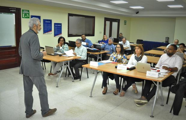 "Proindustria ofrece taller ""Elaboración de planes de negocios"""