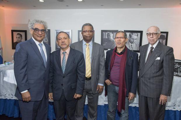 Facultad de Artes de la UASD pone en circulación obra HRSuriel