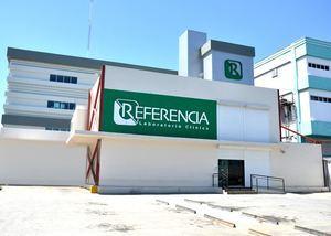 Fachada sede central de Referencia en la avenida Luperón, esquina Mirador Sur.