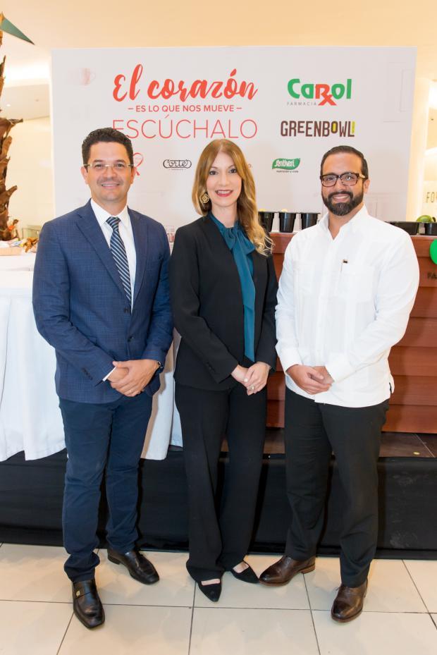 Richard Marine, María Teresa Ferreiro y Julio Rafael Curiel.