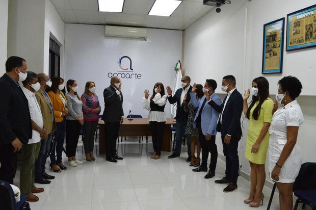 Acroarte juramenta nuevos miembros de Santo Domingo y todas sus filiales