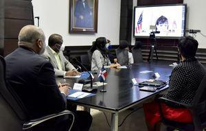 Miembros del Ministerio de Educación en reunión virtual con embajadora de Estados Unidos, Robin Berstein.