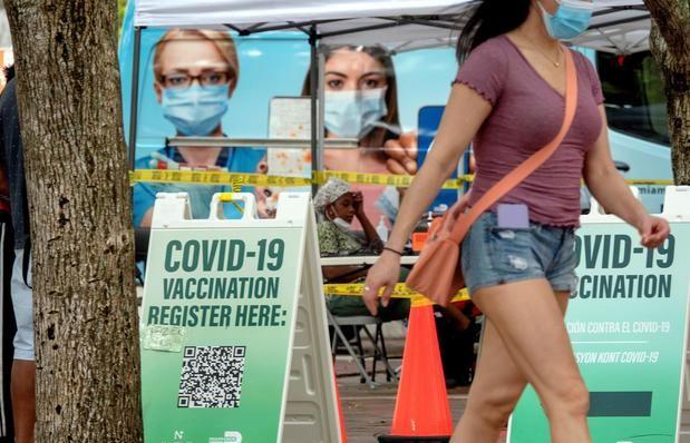 Florida reporta una bajada de casos y hospitalizaciones por la covid-19