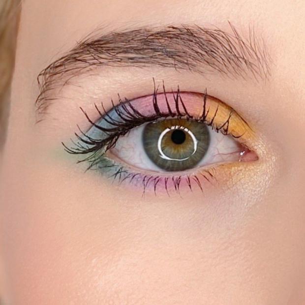 Efecto acuarela, la nueva tendencia de maquillaje del 2021
