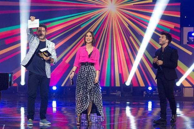La balada 'Voy a quedarme' será la canción que Blas Cantó (d) interpretará el próximo 22 de mayo en la final de Eurovisión 2021 en representación de España, según ha decidido esta noche el público de RTVE con un 58 por ciento de los votos en una emisión en directo.