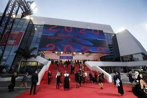 El Festival de Cannes podría aplazarse al verano si la situación no mejora.