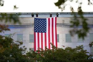 EE.UU. recuerda a sus caídos en Afganistán durante el acto del Pentágono.