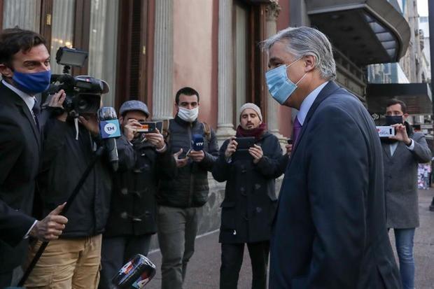 El canciller de Uruguay se reúne con los expresidentes Sanguinetti y Lacalle