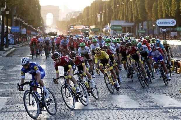 La UCI hace oficial el retraso del Tour.