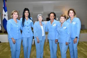 Claudia Donatti de Rivas, Maria Eugenia Lizardo, Maria Teresa de Pérez, Betania Corleto, Maritza Oliva de Vizcaíno y Margarita Pou