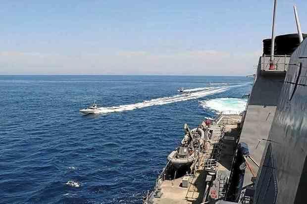 Al menos 19 miembros de la Marina iraní murieron y 15 resultaron heridos en un incidente registrado este lunes durante un ejercicio naval en aguas del puerto de Jask, en el sur de Irán.