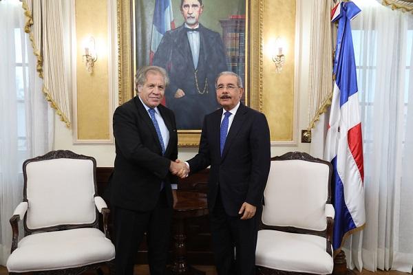 Presidente Danilo Medina recibe visita del secretario general OEA, Luis Almagro