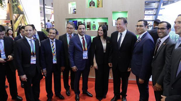 Presidente de Panamá en el estand de RD