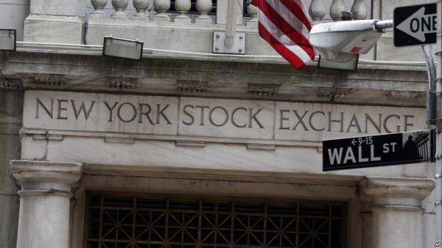 Informe: Jefes ejecutivos de firmas en EE.UU. ganan 15,6 millones