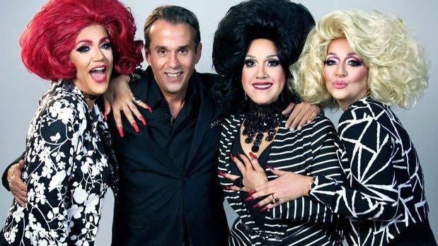 Guillermo Cordero sube a escena con una nueva producciòn con tres grandes actrices en el TN