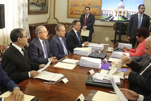 Alba Luisa Beard, Domingo Gil, José Ayuso y Miguel Valera, nuevos jueces Tribunal Constitucional.