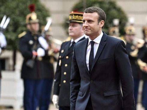 Macron arrasa en las elecciones legislativas y se hunden la ultraderecha y la izquierda